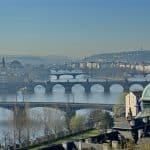 Enterrer sa vie de garçon à Prague