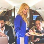 Les options et extras qui caractérisent les offres des compagnies aériennes