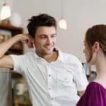 Comment flirter : Comment séduire en ligne et hors ligne dans n'importe quelle situation