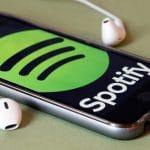 Comment ouvrir automatiquement Spotify lorsque vous connectez un casque d'écoute
