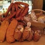 La saucisse de Morteau et Montbéliard: pourquoi choisir entre les deux?