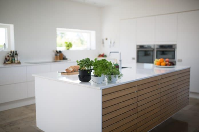 Comment rénover sa cuisine sans dépenser beaucoup d'argent ?