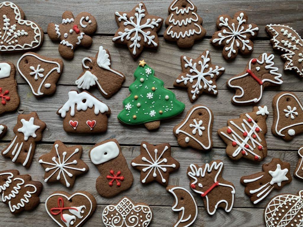 Comment décorer les biscuits de Noël en pain d'épices ?