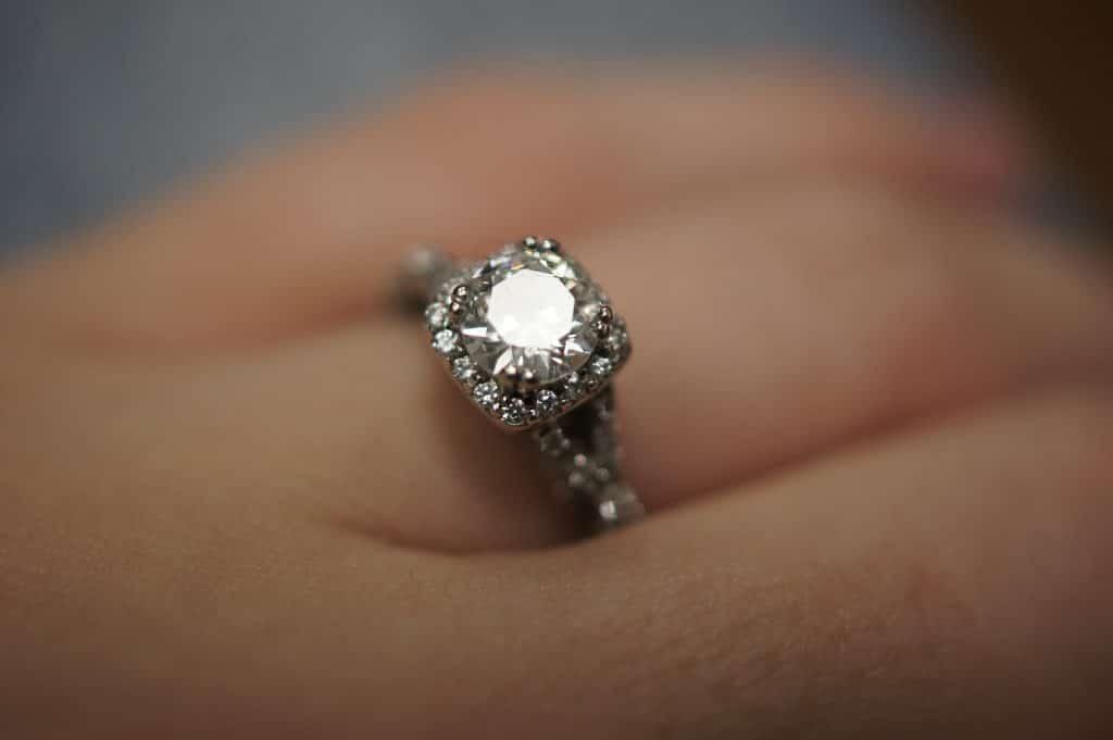 Pourquoi faire expertiser vos bijoux ?