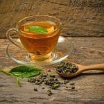 Thé vert : une tisane miracle pour les hommes?