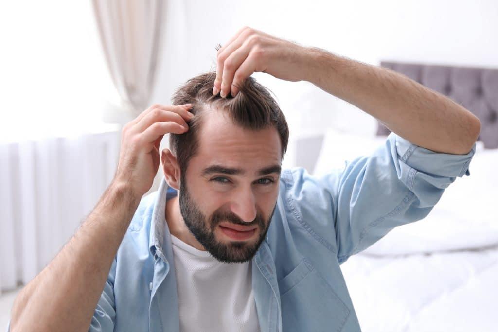 Les méthodes naturelles pour traiter l'eczéma du cuir chevelu homme