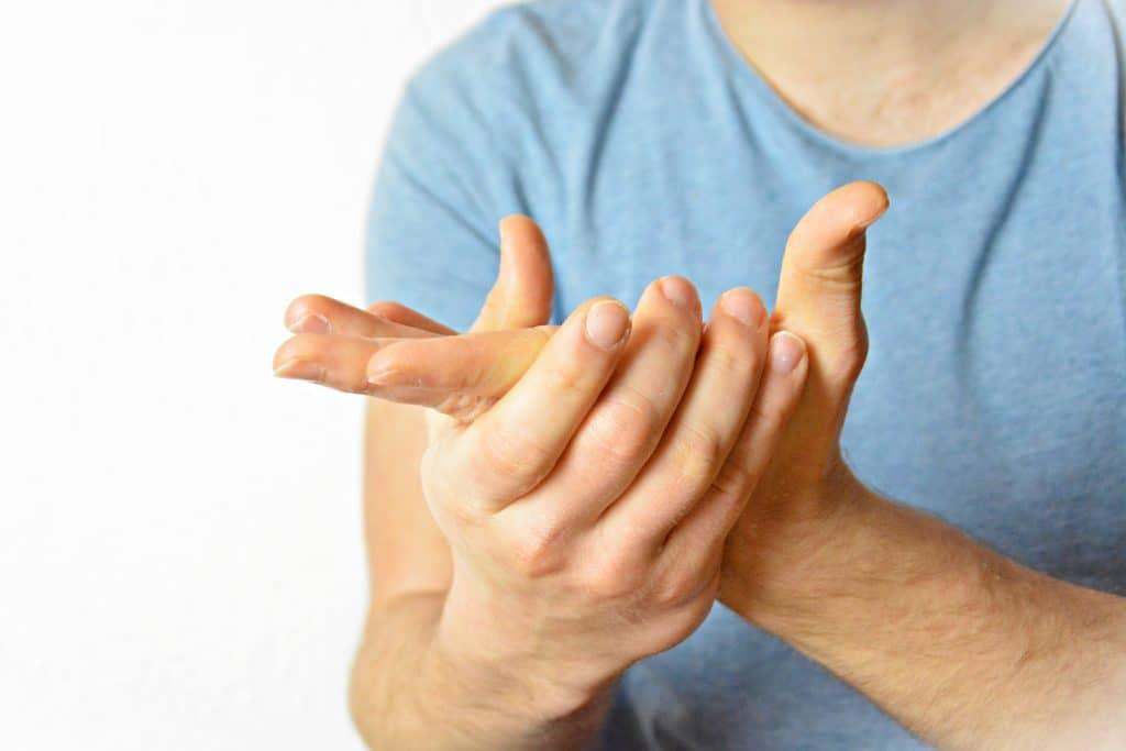 Comment hydrater en profondeur les mains ?