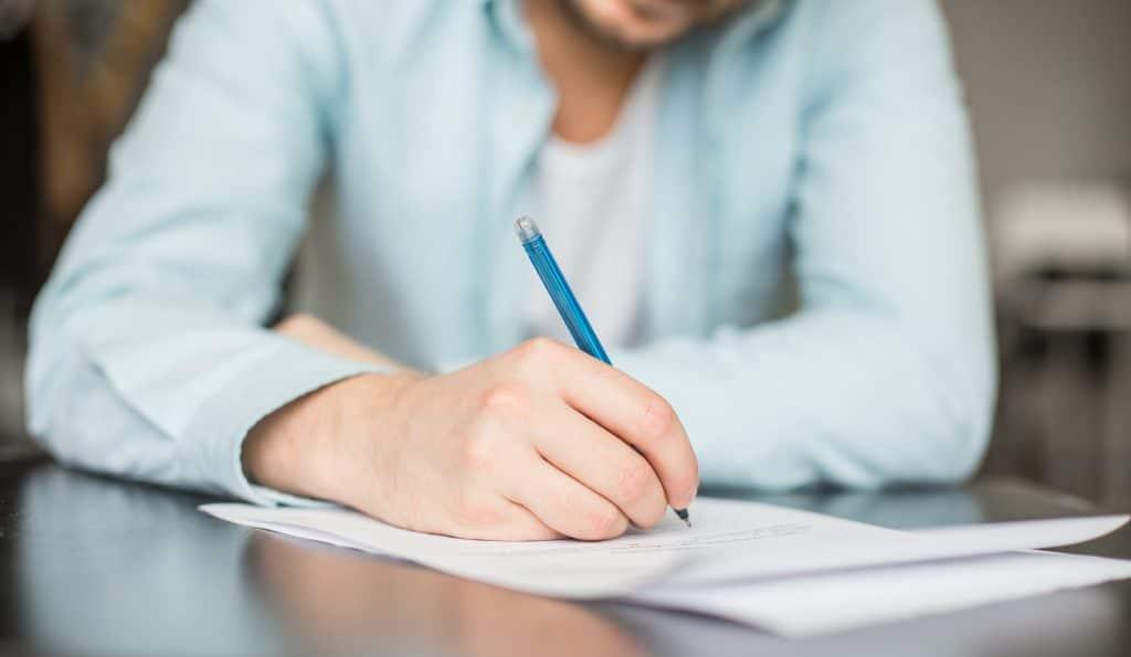 Quelles sont les règles de base à suivre pour rédiger correctement une lettre de remerciement ?