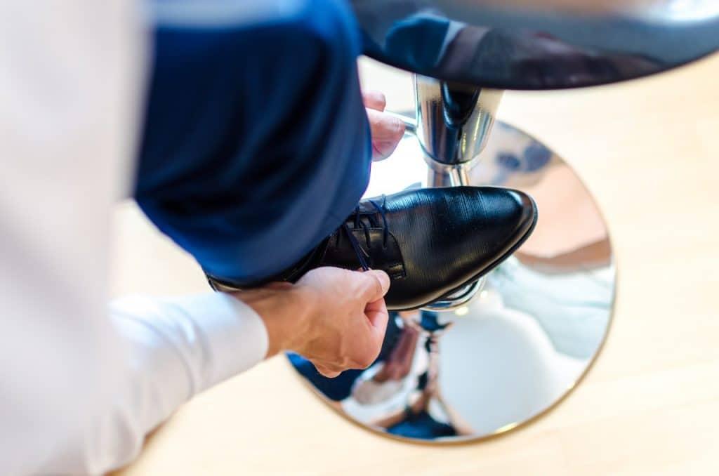 Quelles matières de chaussettes choisir avec un costume ?
