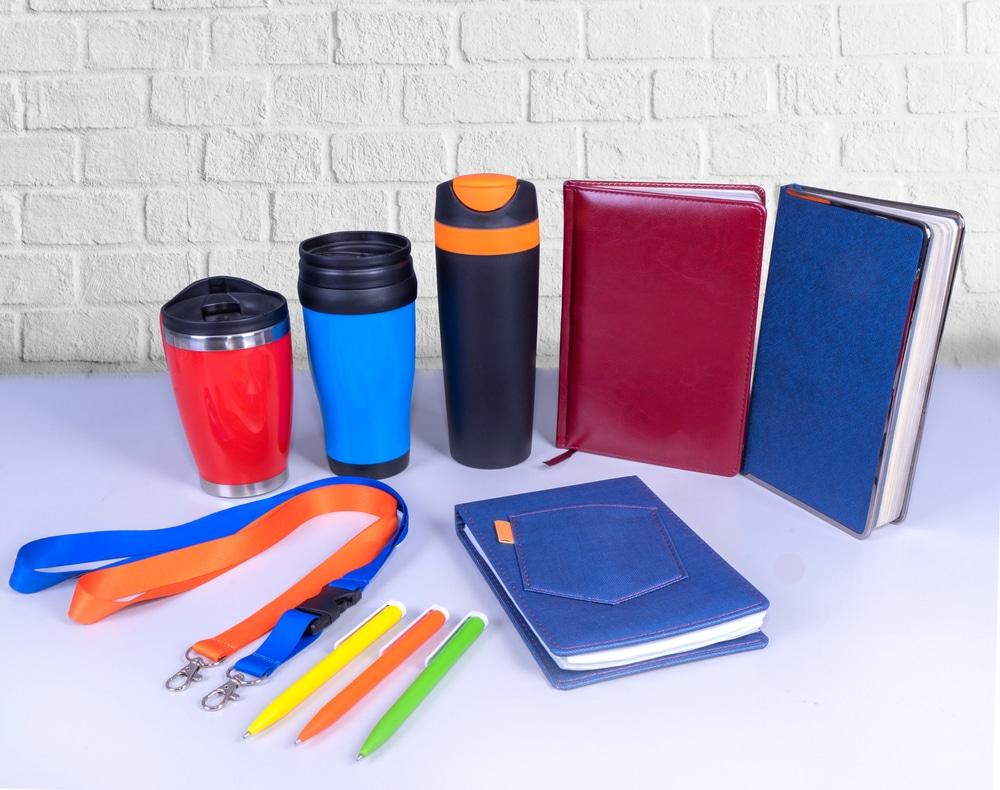 Rassembler vos employés autour d'objets personnalisés cadeau